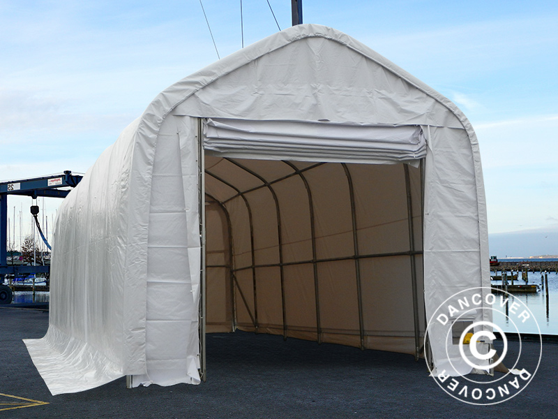 Boat shelter as the perfect storage solution